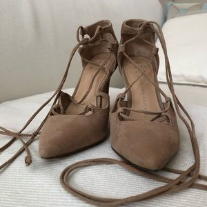 Banana Republic tan lace up heels